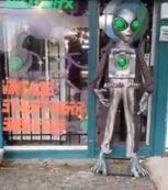 Alien Mannequin