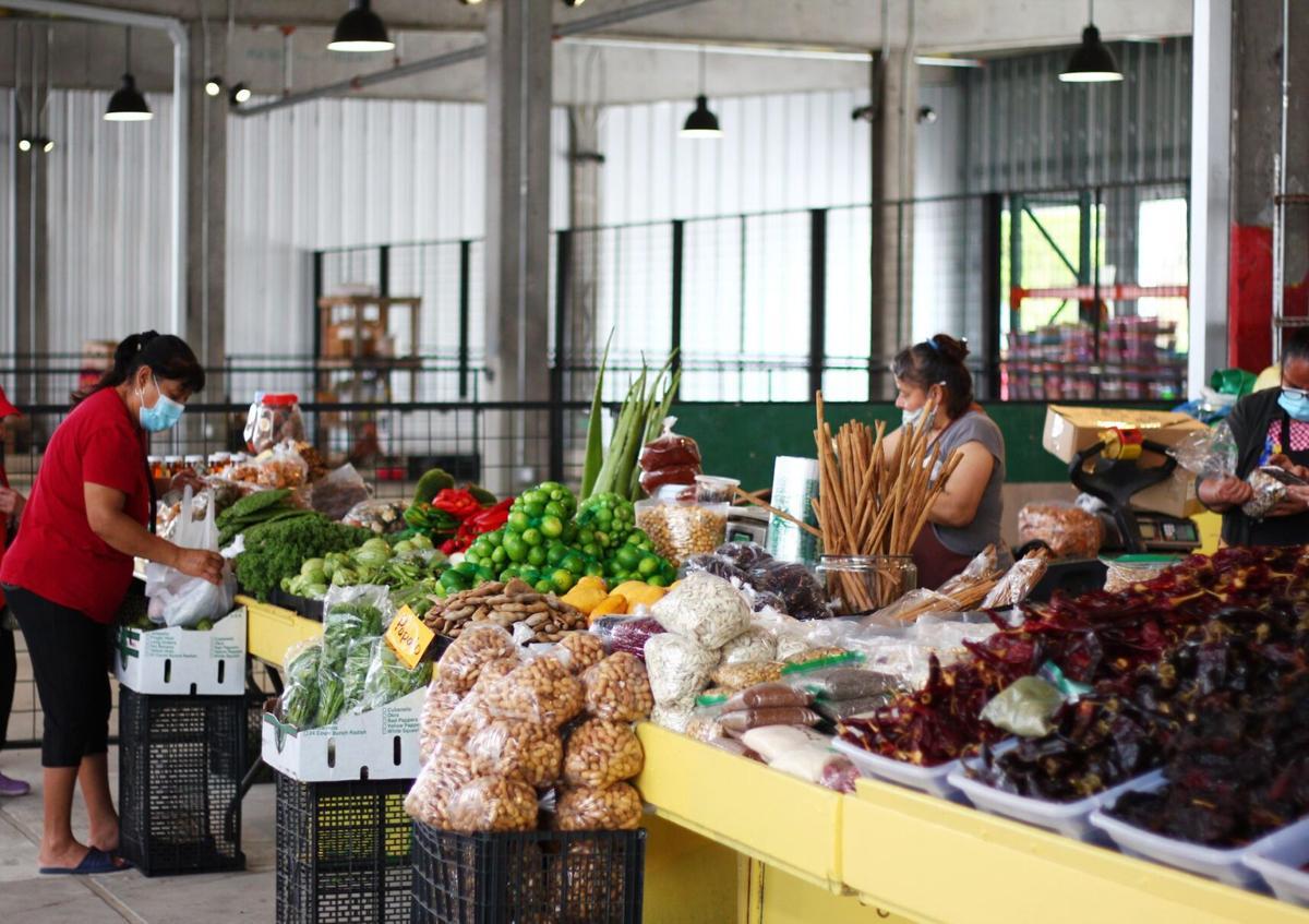 Houston Farmers Market Shoppers