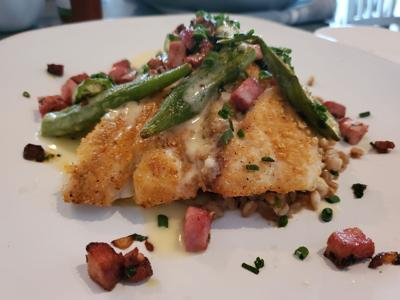 Review: Field & Tides serves up a great catch