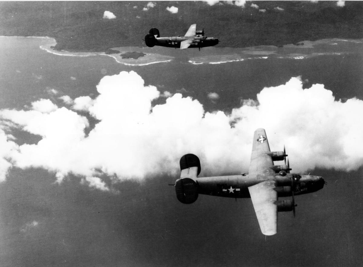 WWII U.S. B24 BOMBER PLANES