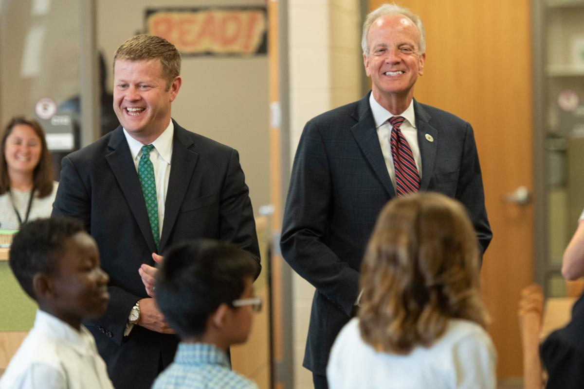 Sen. Moran and Acting Secretary McCarty tour Seitz Elementary School