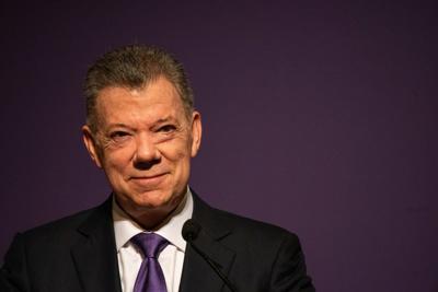 Juan Manuel Santos is asked a question after his Landon Lecture Series.