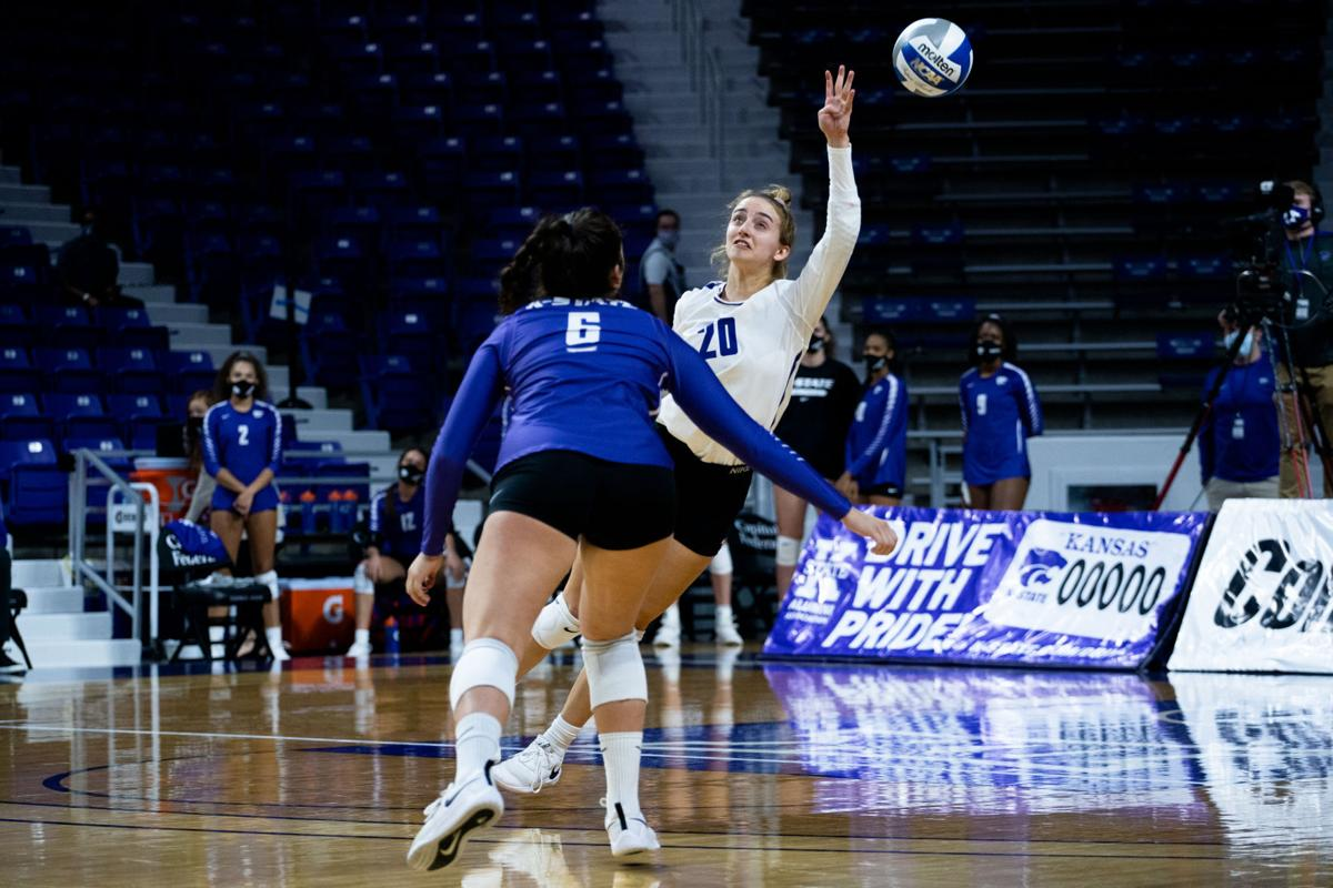111420_new_mer_kstatetcuvolleyball-2.jpg