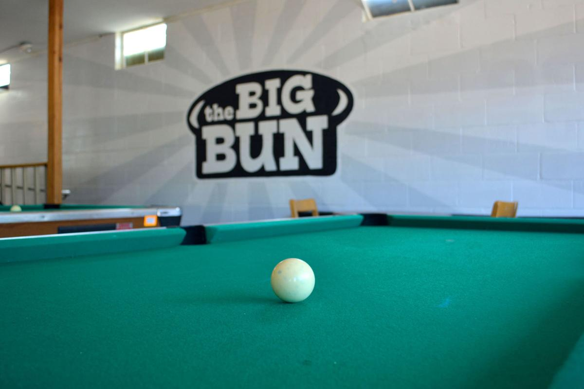 Big Bun pool table