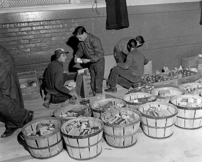 Canton youth fill baskets 1958 Christmas