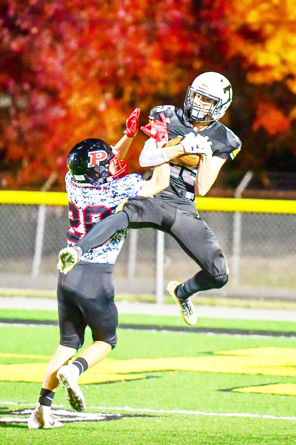 Clay Burgess catches a touchdown pass