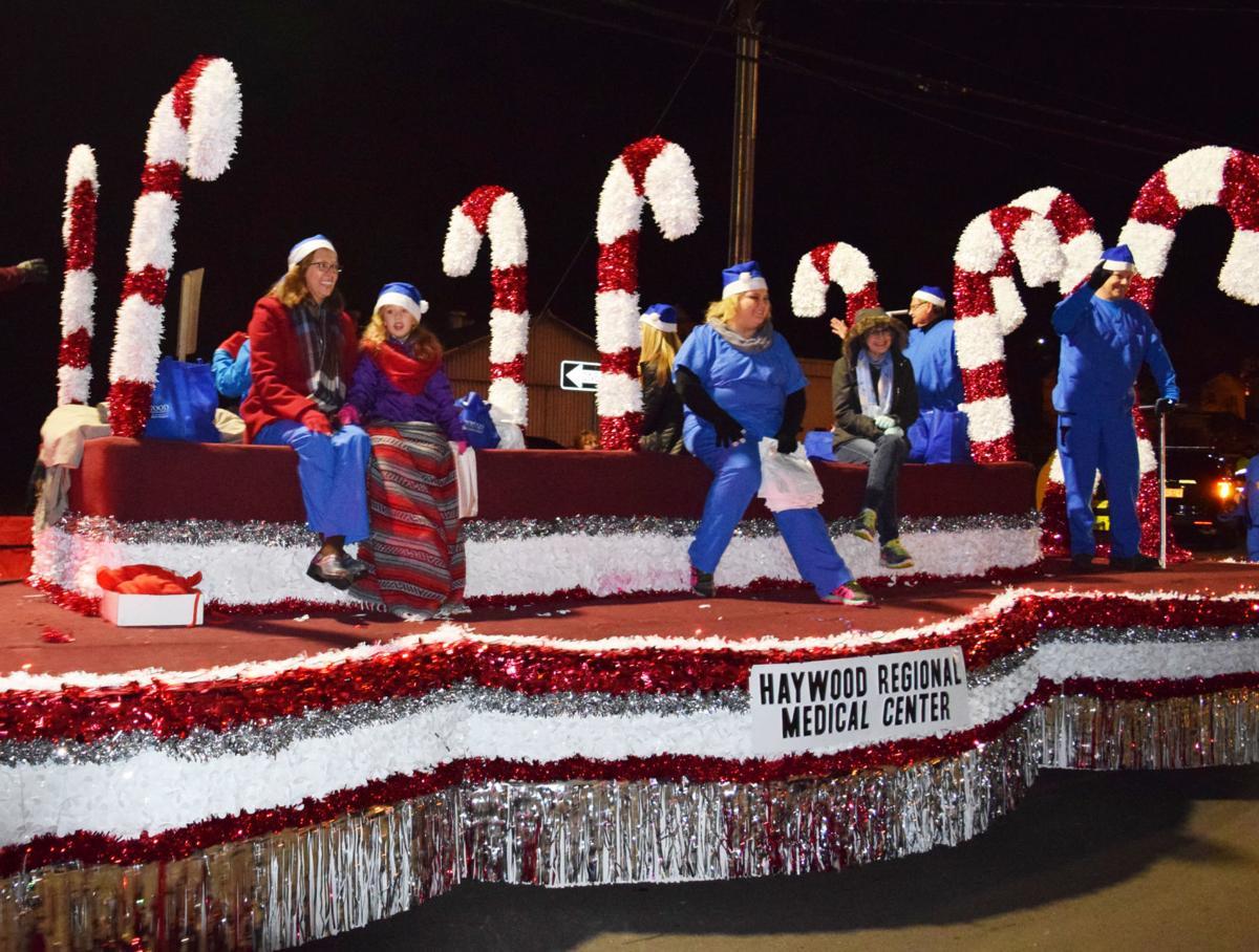 Waynesville Christmas Parade 2020 Canton and Waynesville Christmas Parade | Life | themountaineer.com