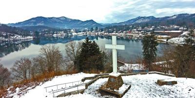 Lake Junaluska cross in the snow