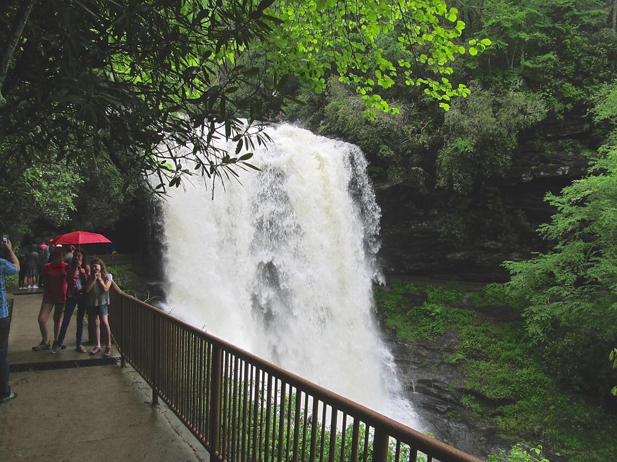 Dry Falls Thunder