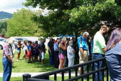 Silver Bluff Village holds prayer vigil