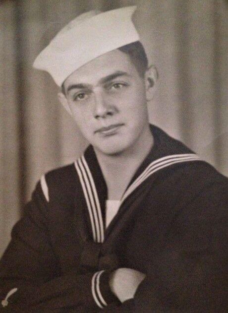 Warren Kitts 1944.jpg