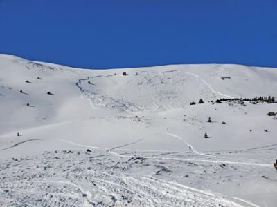 Weak layer adds to avalanche danger