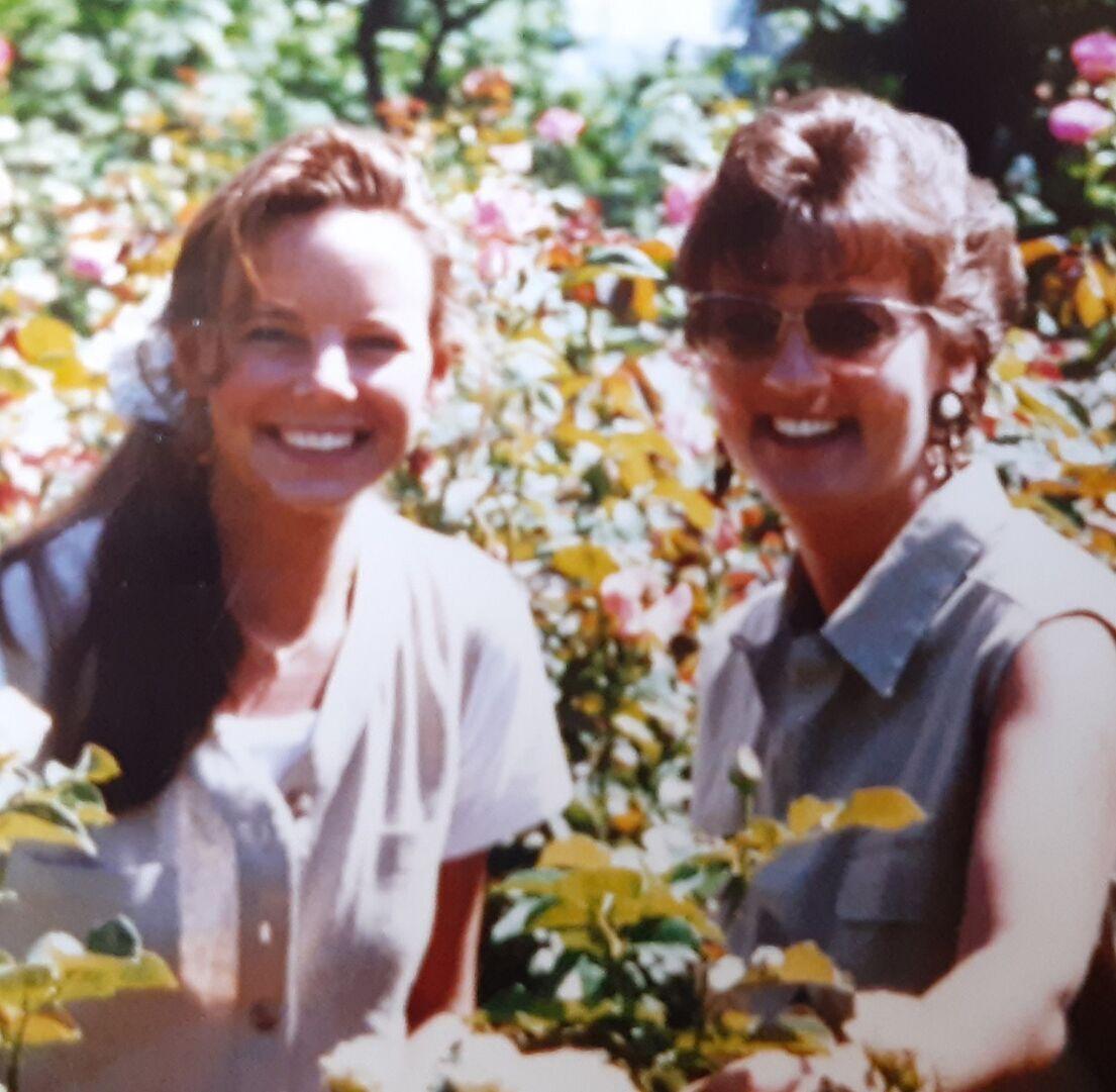 0610 morphew Suzanne & Melinda.tif
