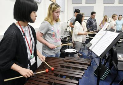 Japanese students visit E'town schools