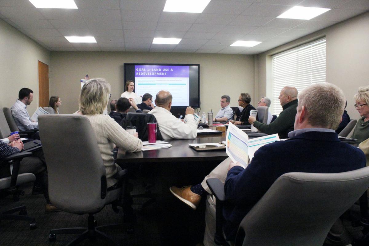 E'town council, commission discuss comp plan