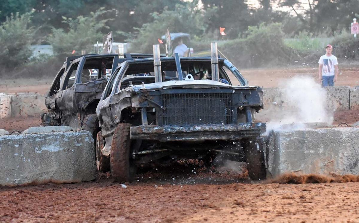 Demolition Derby Offers Display Of Destruction Local News Thenewsenterprise Com