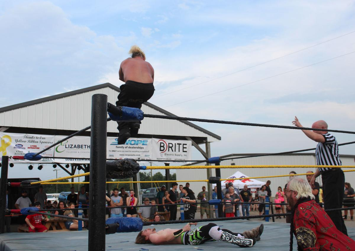 Wrestlers face off at county fair