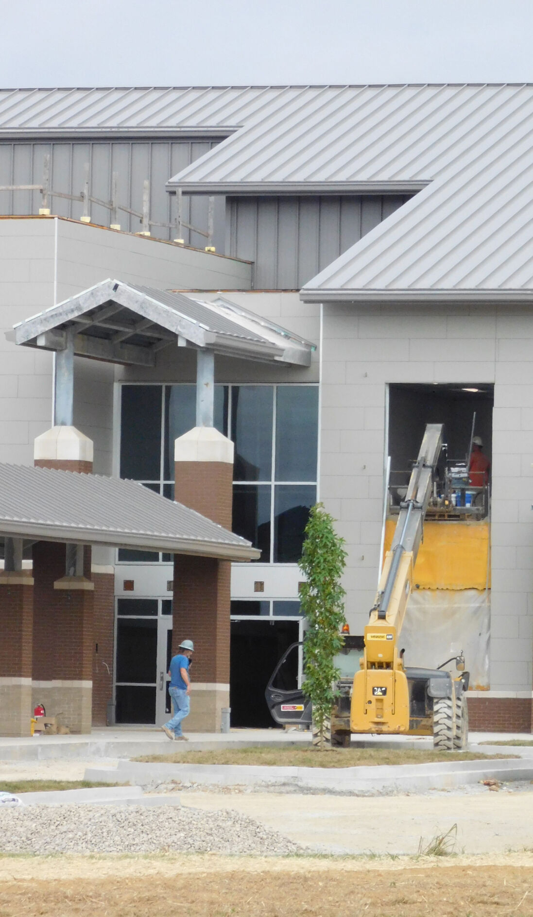 New East Hardin School facing delayed opening