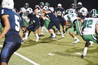PREP FOOTBALL: Strong second half leads E'town past Meade