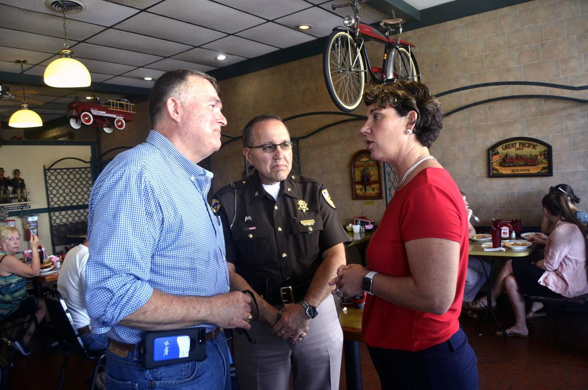 U S Senate Candidate Amy Mcgrath Discusses Issues At Campaign Stop Election Thenewsenterprise Com