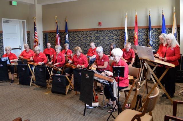 Dulcimer Club performs for veterans