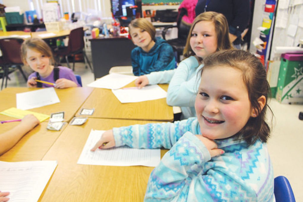 Hodgenville Elementary club is big on cursive writing