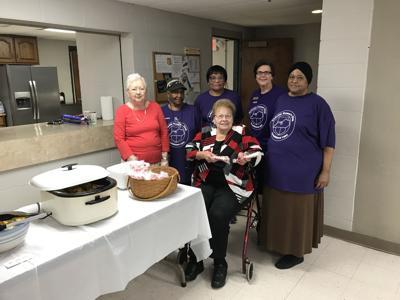 Radcliff Woman's Club members provide breakfast