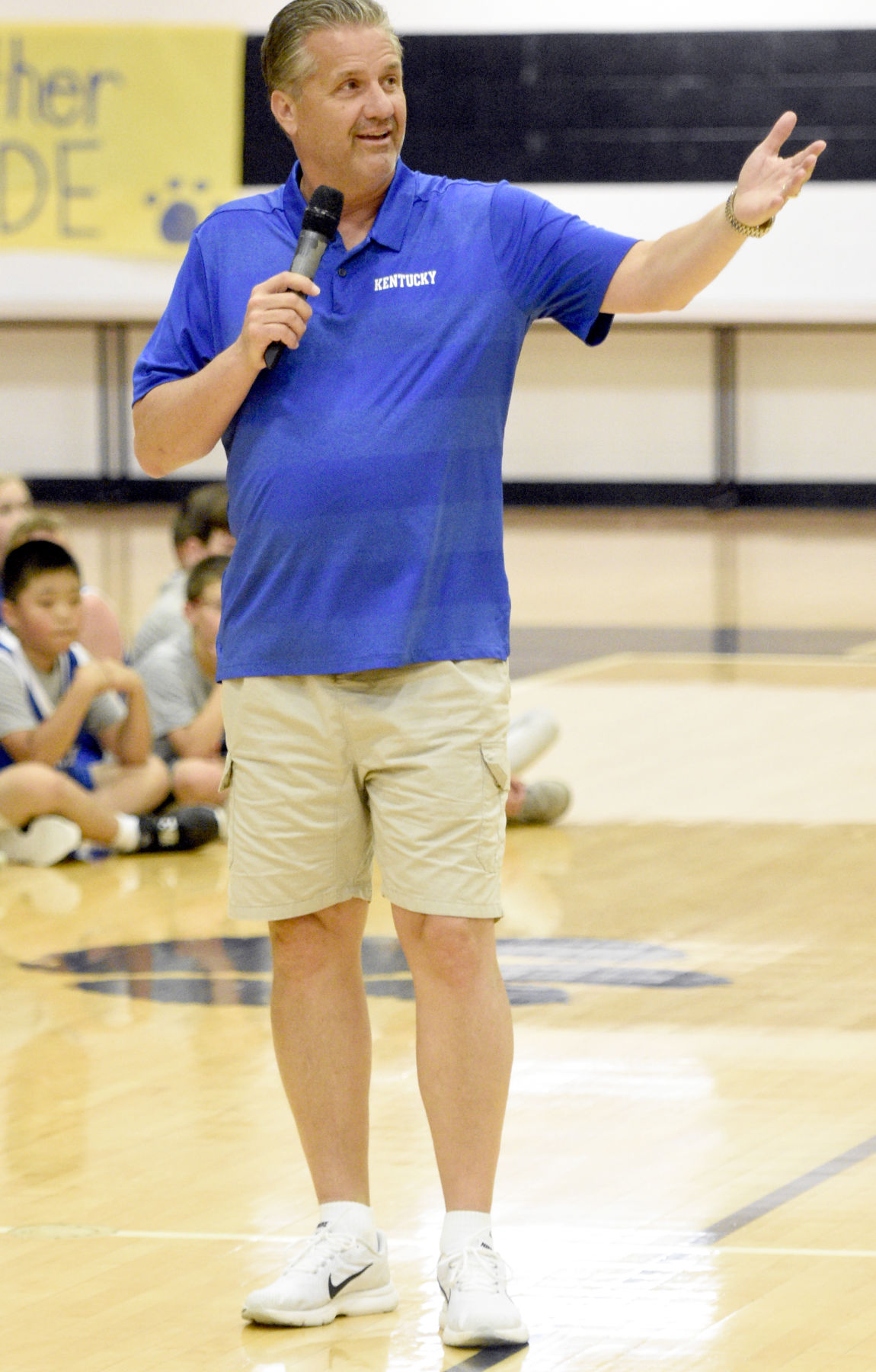 BASKETBALL: Calipari, players at EHS