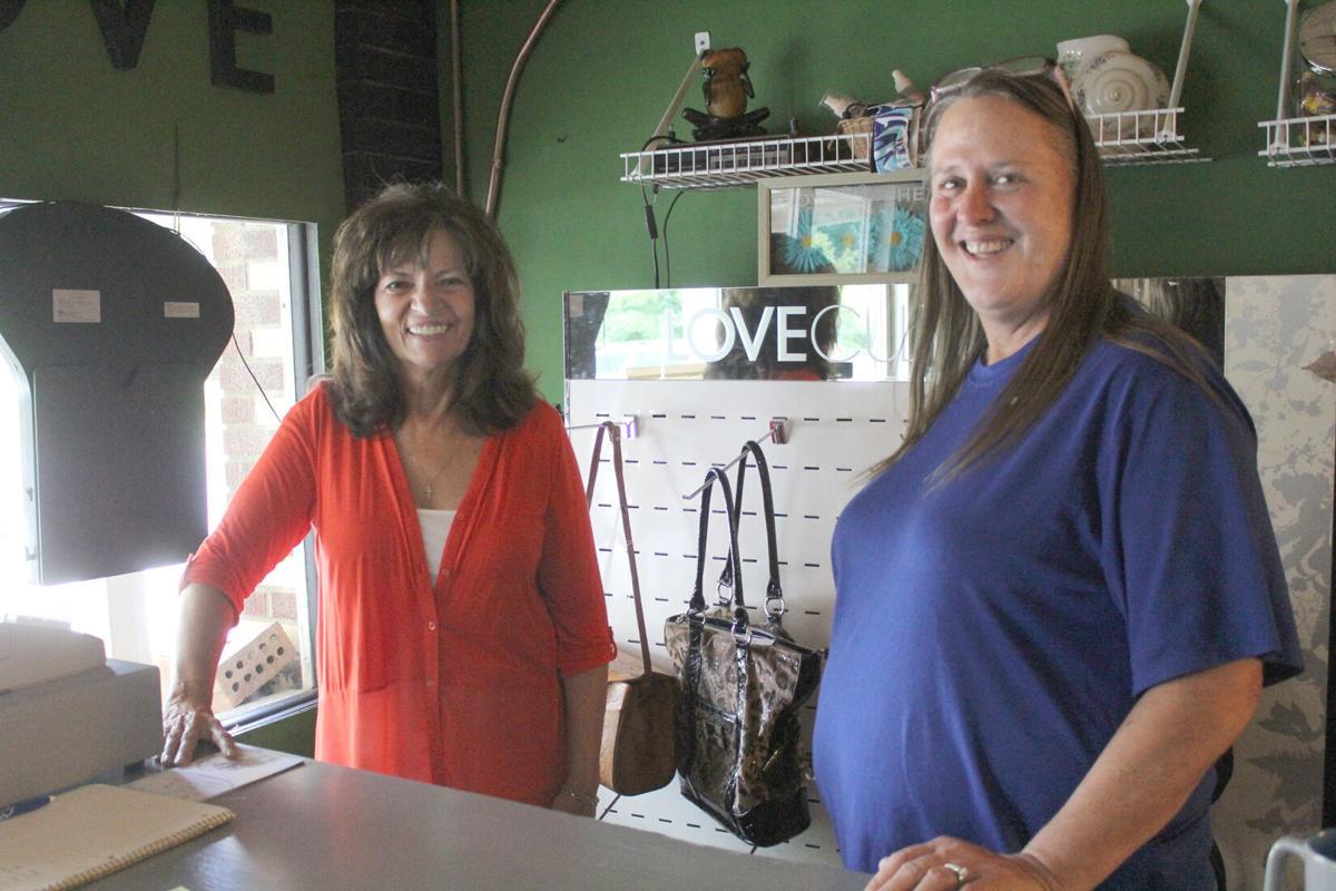 Ministry opens thrift shop in Elizabethtown