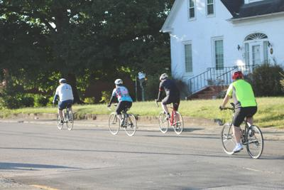 Bicyclists participate in annual Hub City Tour