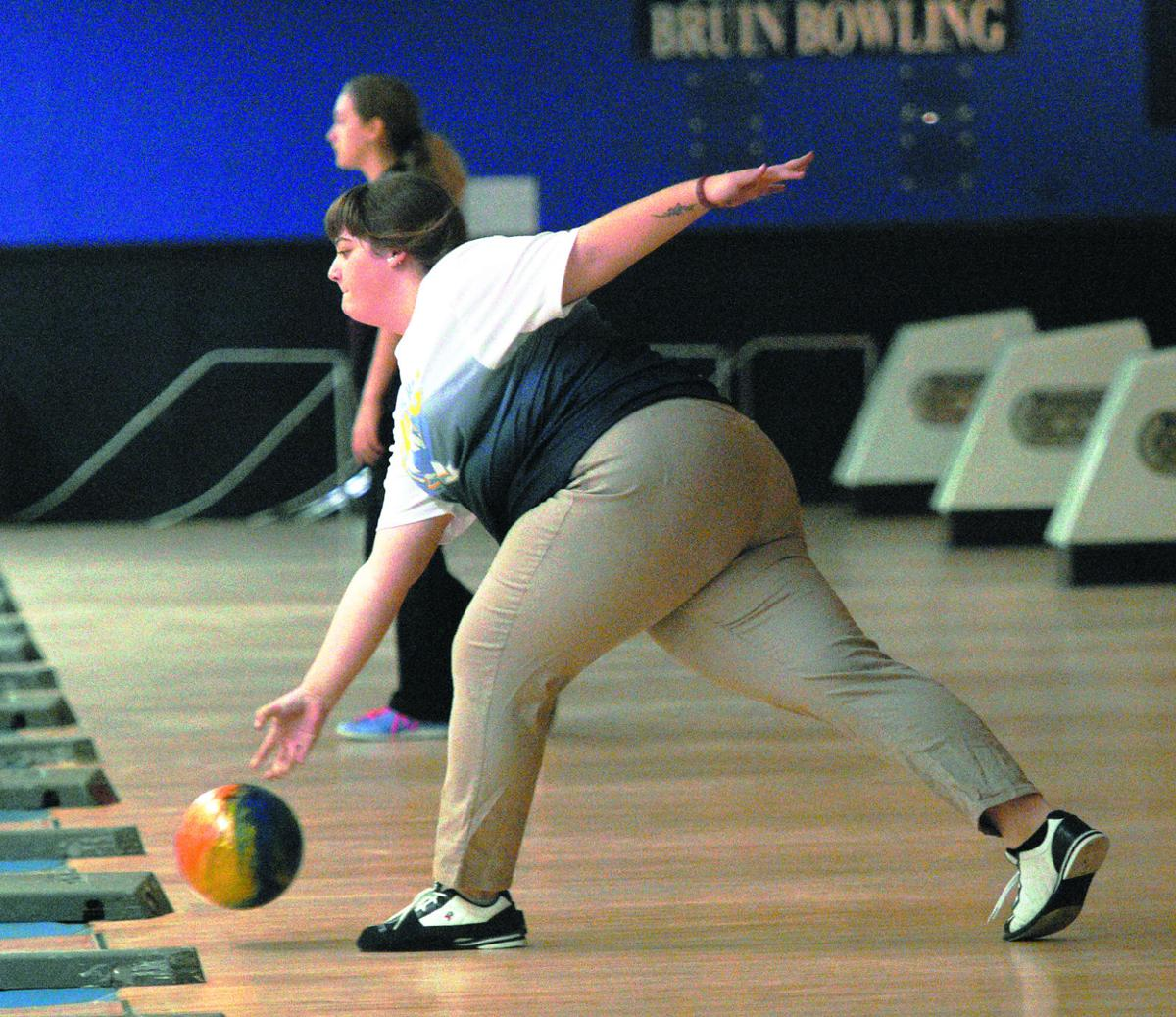 PREP BOWLING: Lady Bruins claim Region 2 championship over Taylor County