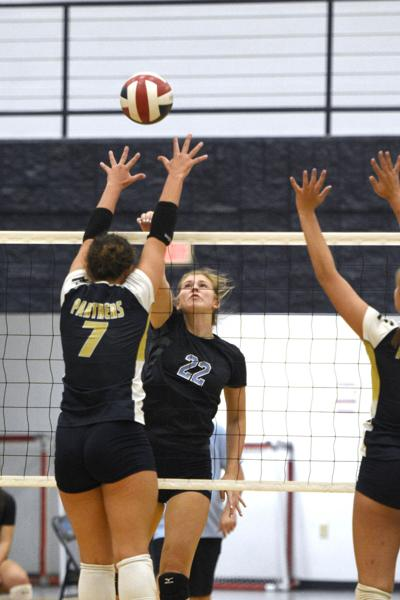 PREP VOLLEYBALL: Central knocks off E'town in straight sets