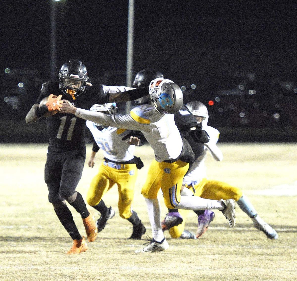 PREP FOOTBALL 6-A PLAYOFFS: North Hardin remains undefeated behind Wright's 202 yards in victory over Central Hardin