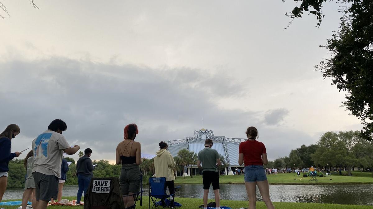 Lightning disrupts Eckerd's largest Ceremony of Lights