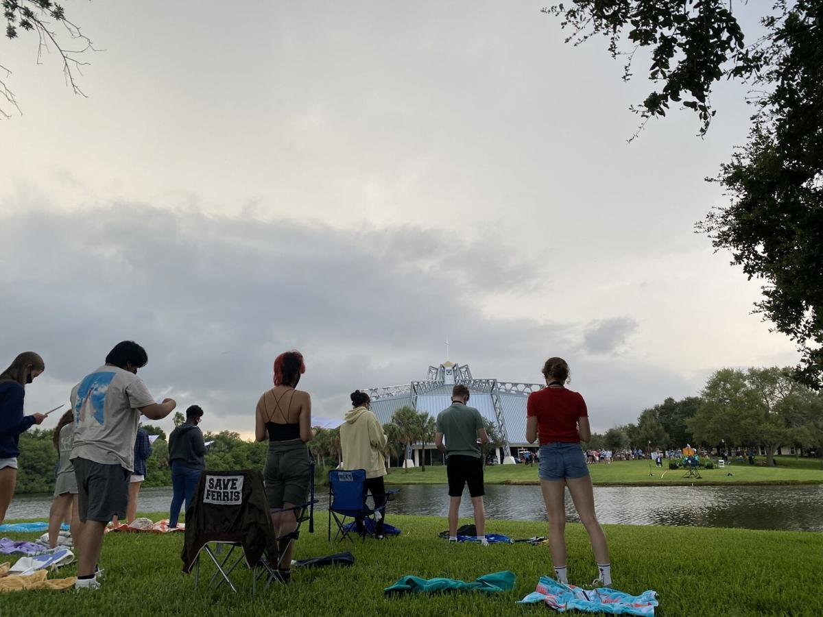 Storm looms over Ceremony of Lights