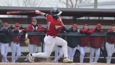 Baseball puts in strong weekend performance against No. 8 team