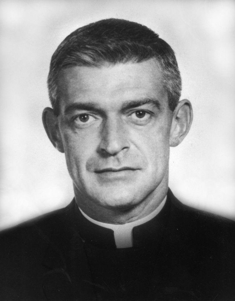Father Vincent Capodanno