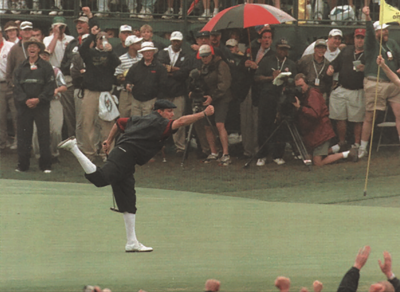 Payne Stewart strikes his iconic victory pose