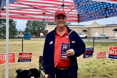 Mike Hardin campaigns in Seven Lakes