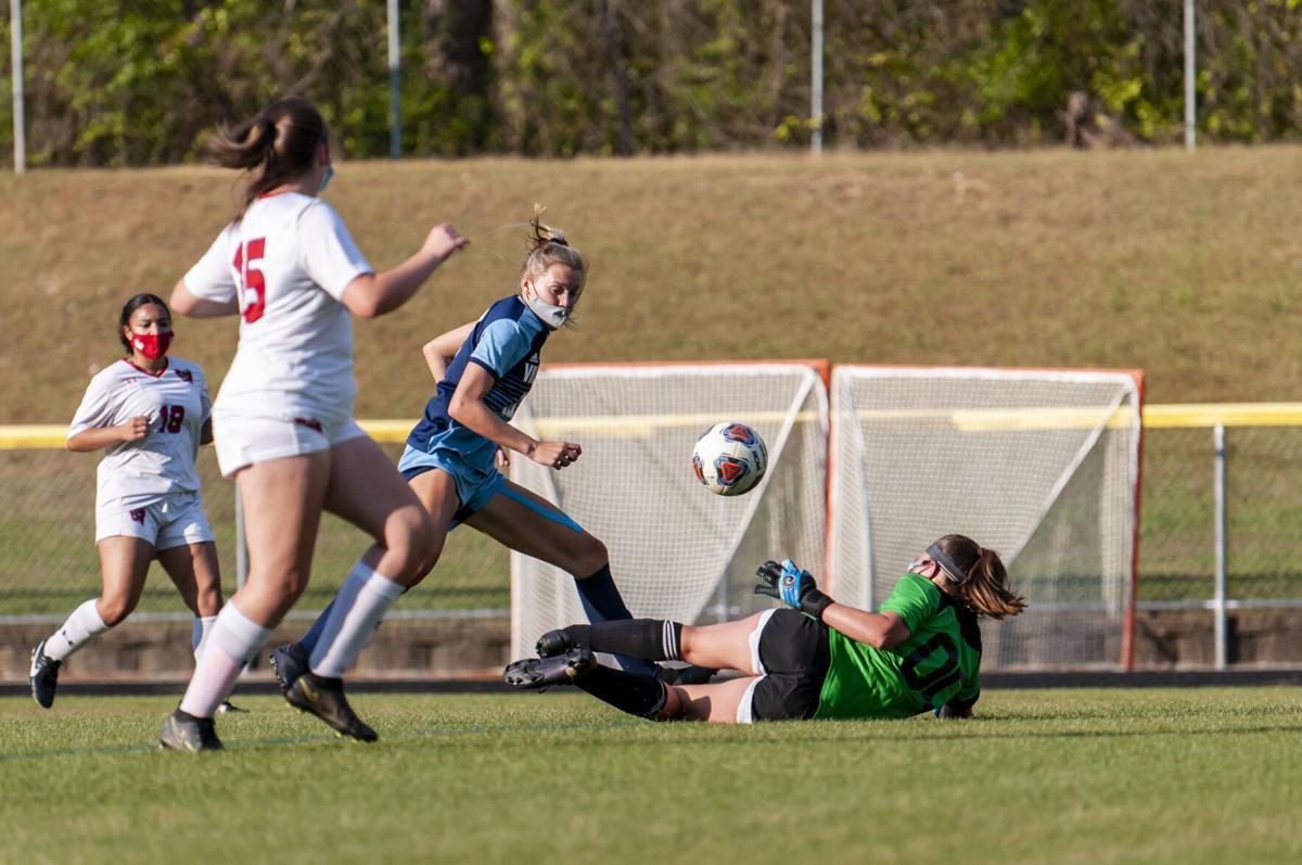 Union Pines defeats Western Harnett, 10-1, finish 13-0, 8-0
