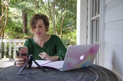 Kelly Biltz holds e-session