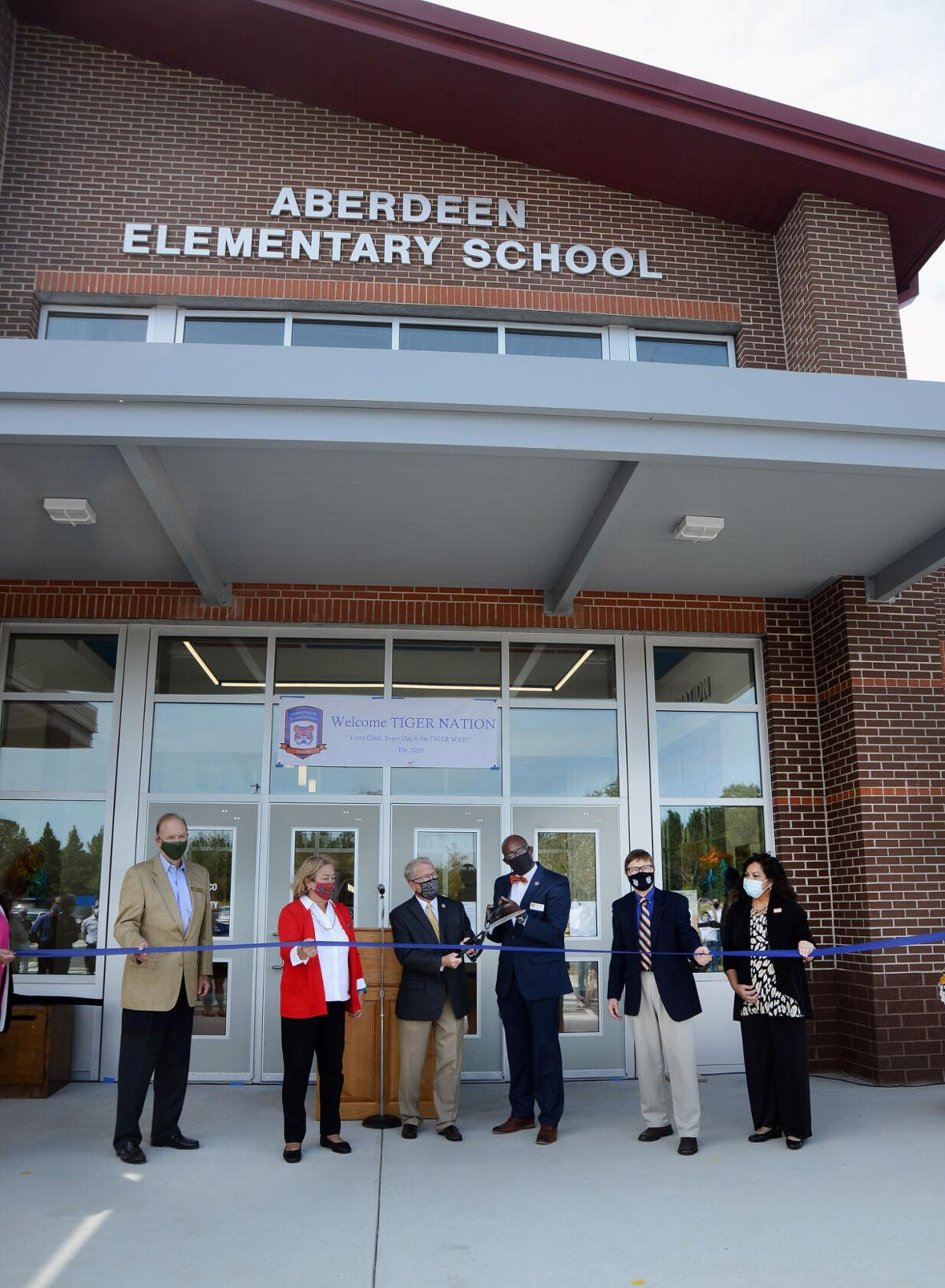 Ribbon Cutting Aberdeen ES 02.jpg