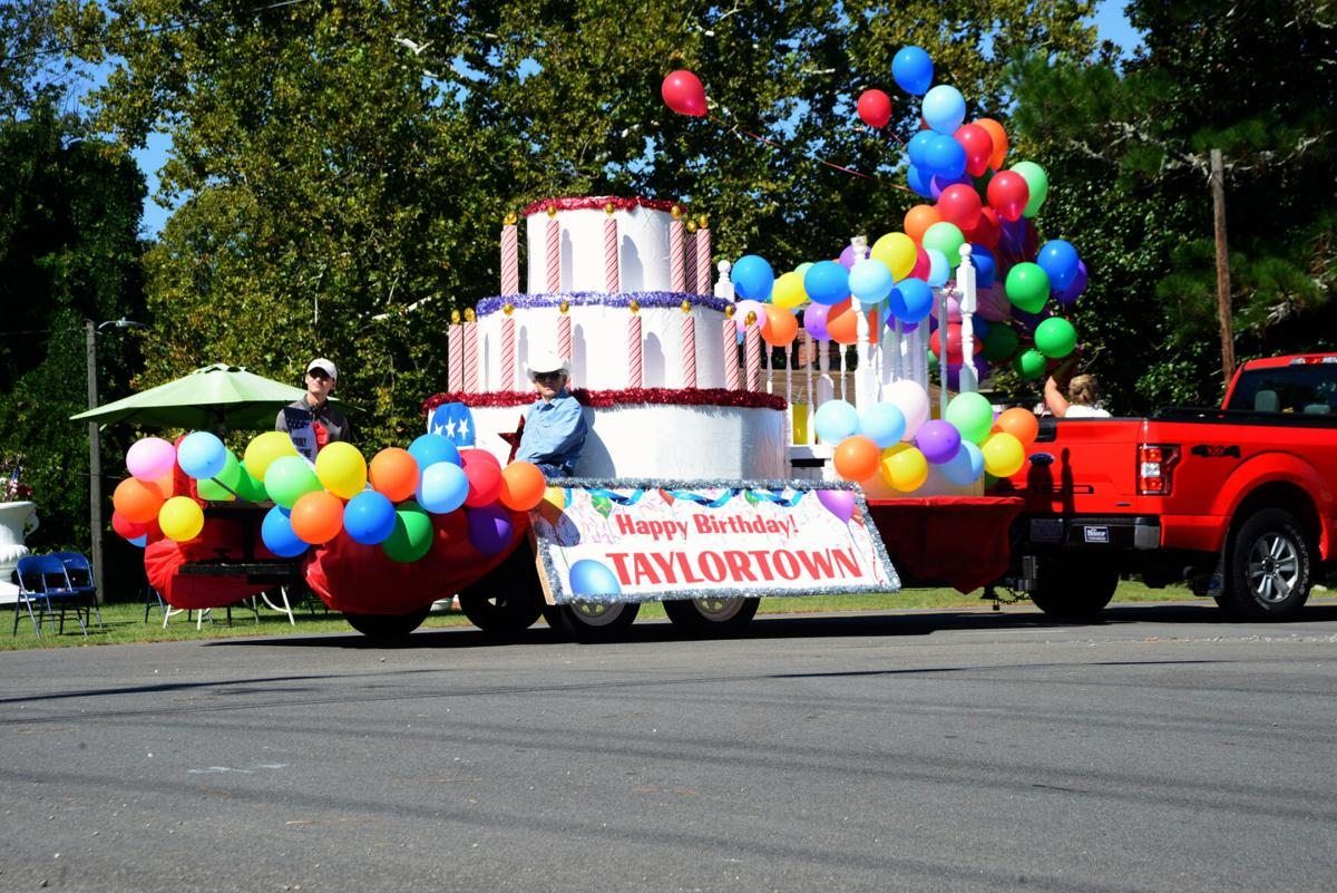 Taylortown Labor Day Parade 01.jpg
