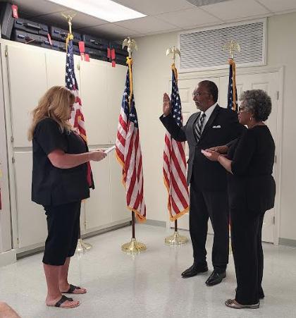 Rev. Charles McKnight sworn in