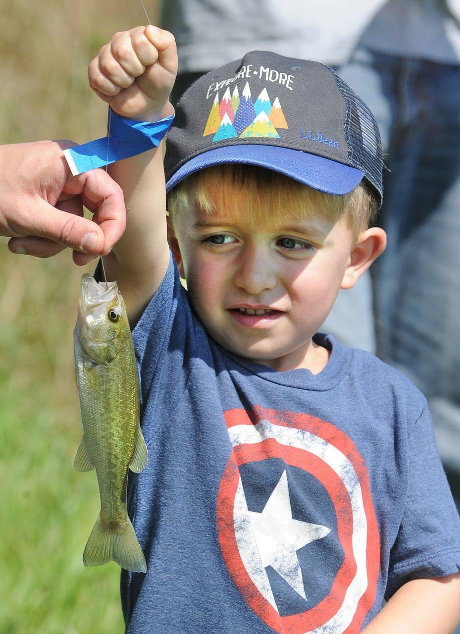 Rick Rhyne Memorial Fishing Tournament 02.jpeg