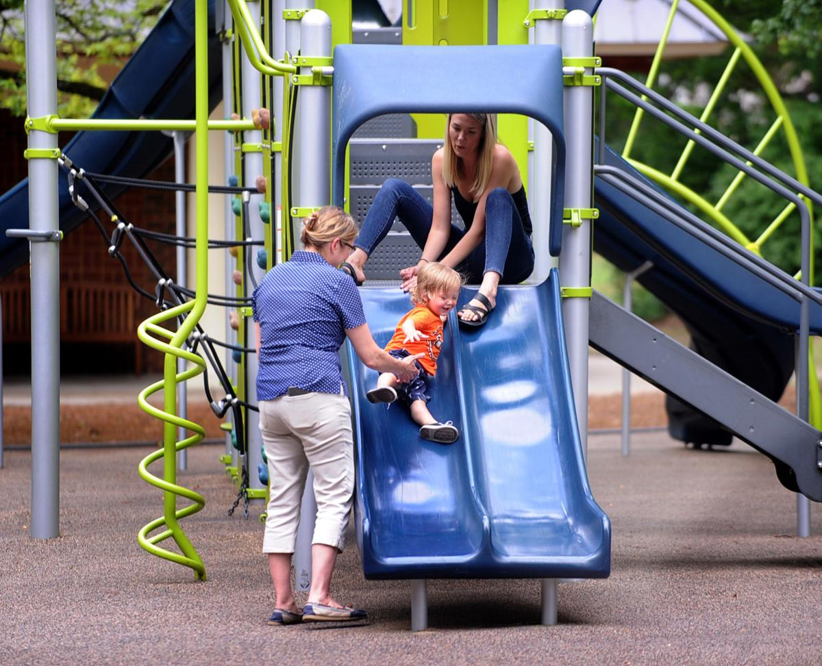 Downtown Park playground 02.jpg