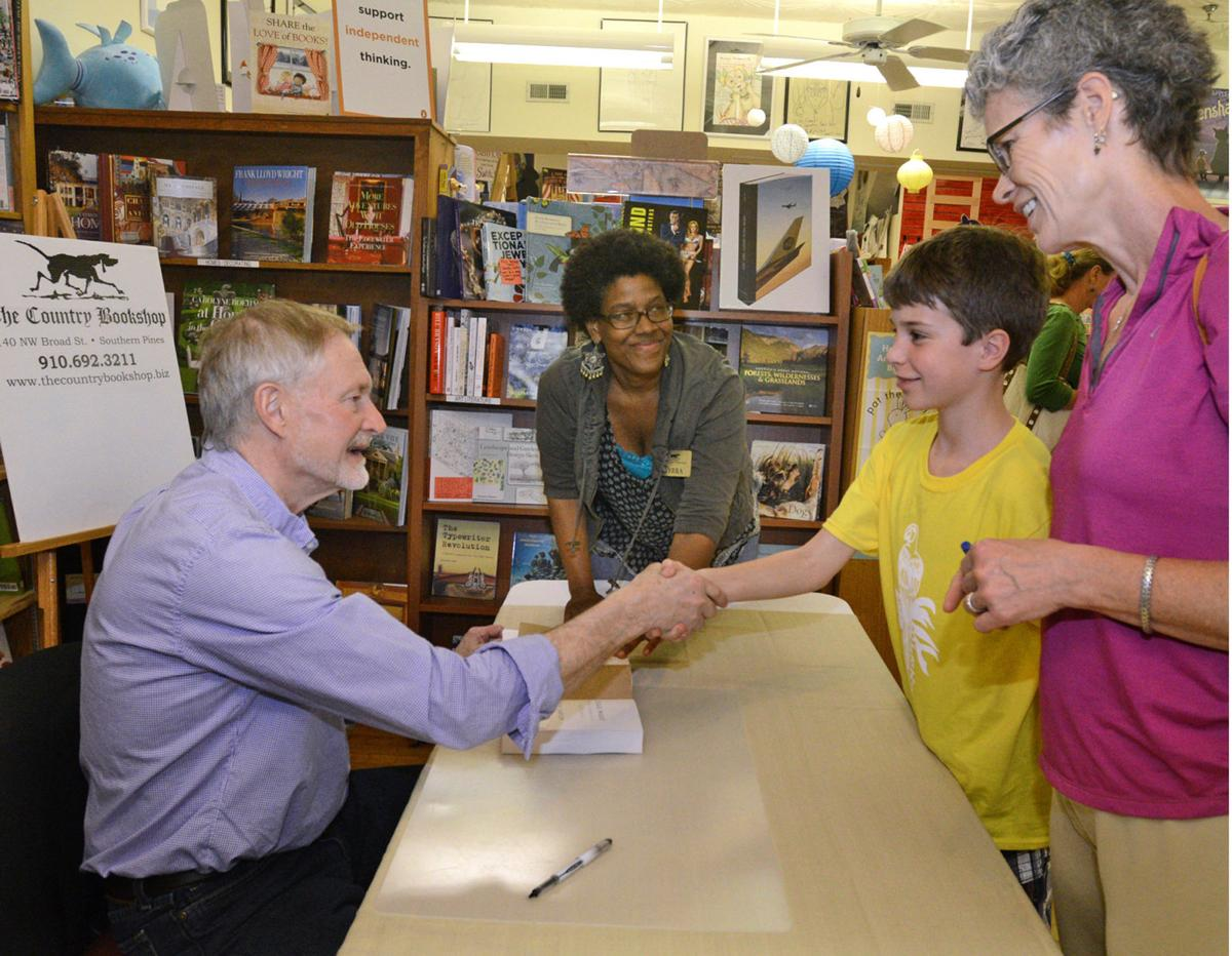 Column: The Independent Bookshop Outclasses Barnes & Noble | Opinion ...
