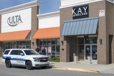 Armed Robbery at Kay Jewelers