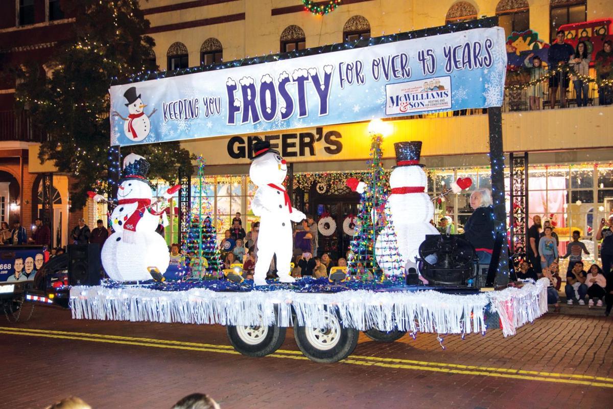 Nacogdoches Christmas Parade 2021 Locals Participate In Annual Christmas Parade Multimedia Thepinelog Com