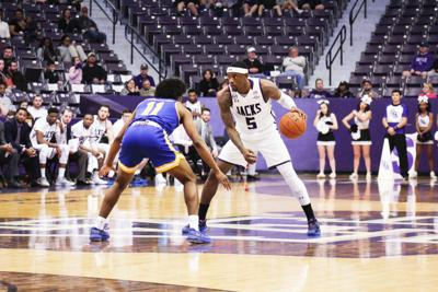 Women undefeated, men No. 6 in SLC basketball
